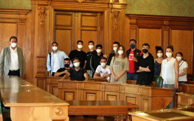 Schüler*innen der Berufsvorbereitungsklassen zu Besuch im Fürther Rathaus